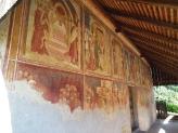 09-Aussenwand mit Fresken