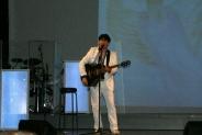15-Andreas mit Gitarre