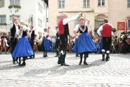 03-Tanz am Dorfplatz