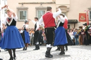 08-Volkstanzgruppe