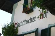 08-Tschoetscher-Hof