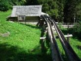 04-Mühle mit Wasserrinne