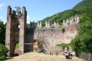 15-Ruine mit Spielplatz